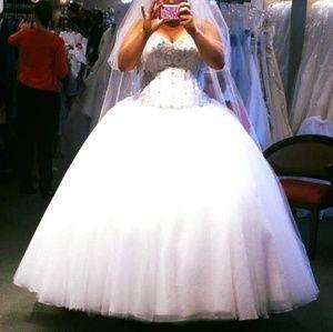 Mori Lee wedding gown SZ26
